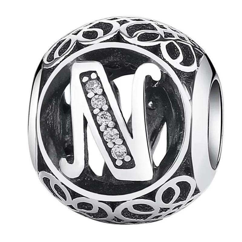 Charm de plata de primera ley vintage letra N. Compatible Pandora 791858CZ
