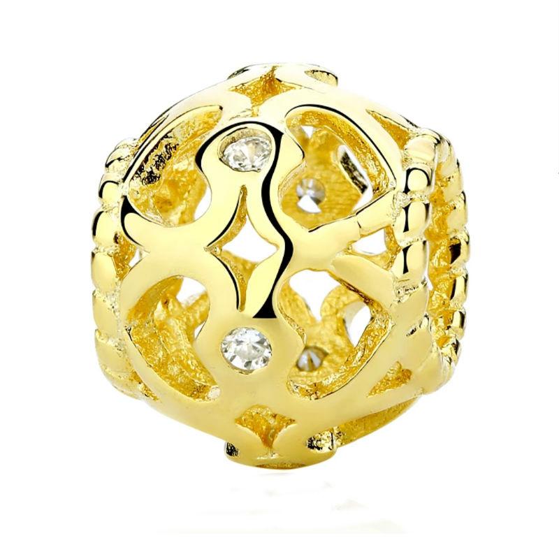 Charm corazón hueco plata chapada en oro 18ktes. y circonitas. Compatible Pandora
