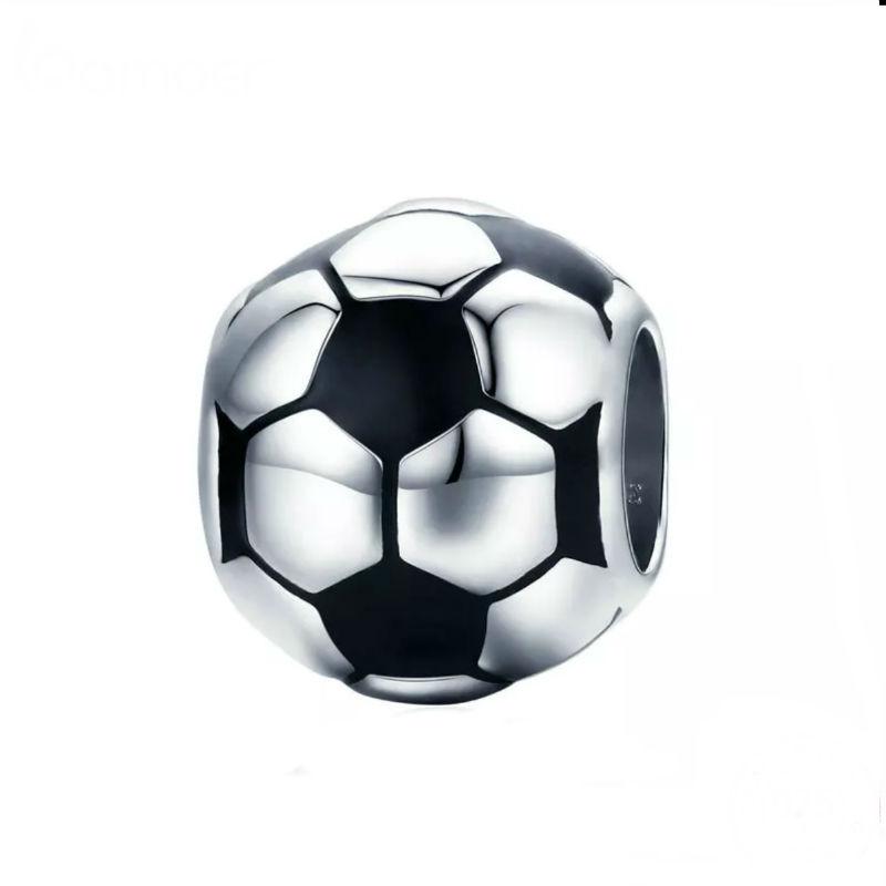 """Charm """"balón de fútbol"""" en plata de ley y esmalte. Compatible Pandora."""