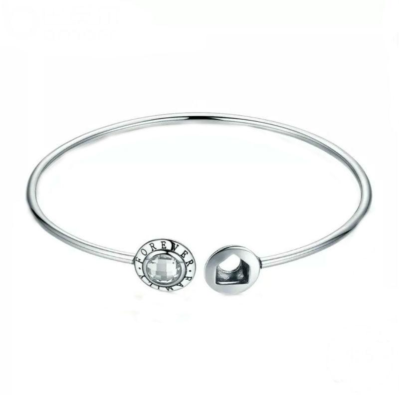 Boutique en ligne 100a8 851ab Pulsera rígida siempre familia en plata de ley y circonita. Compatible  Pandora