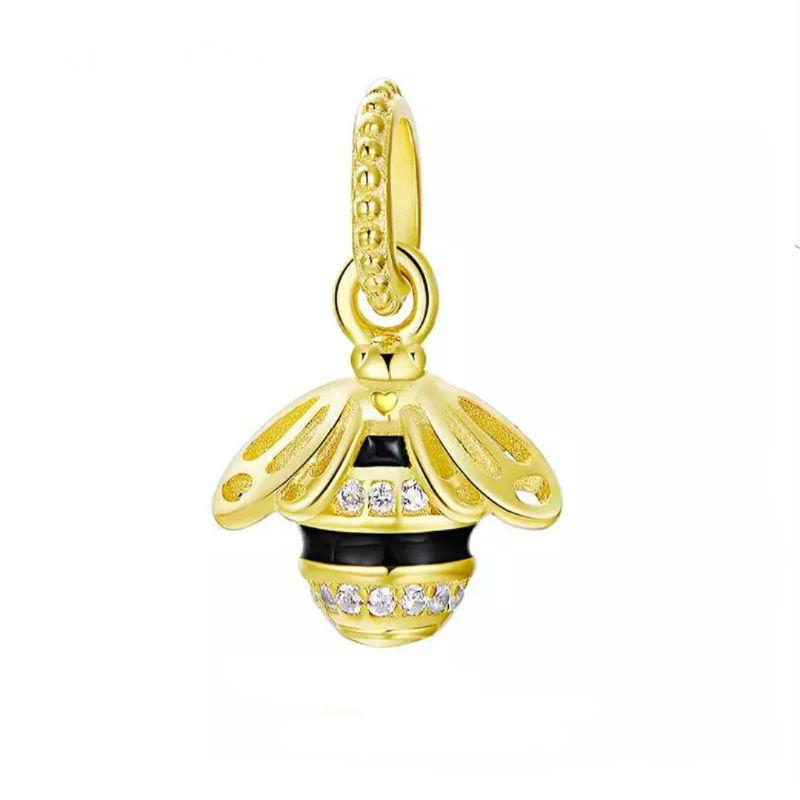 Charm abeja plata chapada en oro y circonitas. Compatible Pandora.