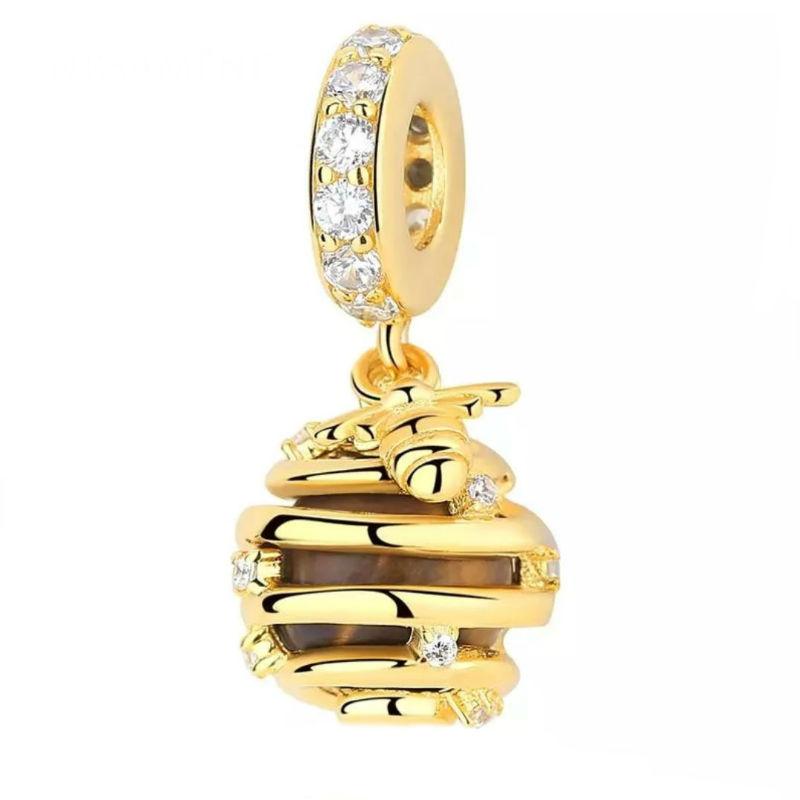 Charm colmena plata chapada en oro, esmalte y circonitas. Compatible Pandora.