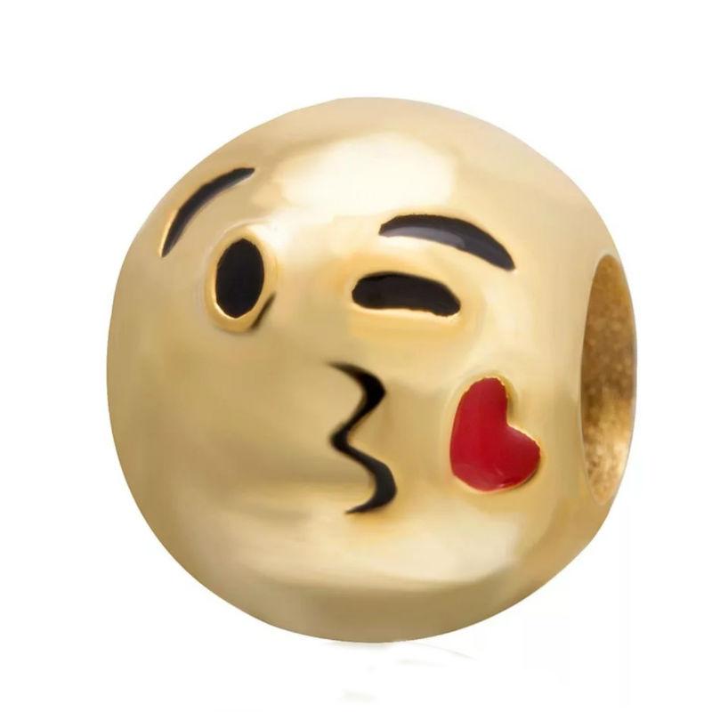 Charm emoticono guiño y beso chapado oro. Compatible Pandora